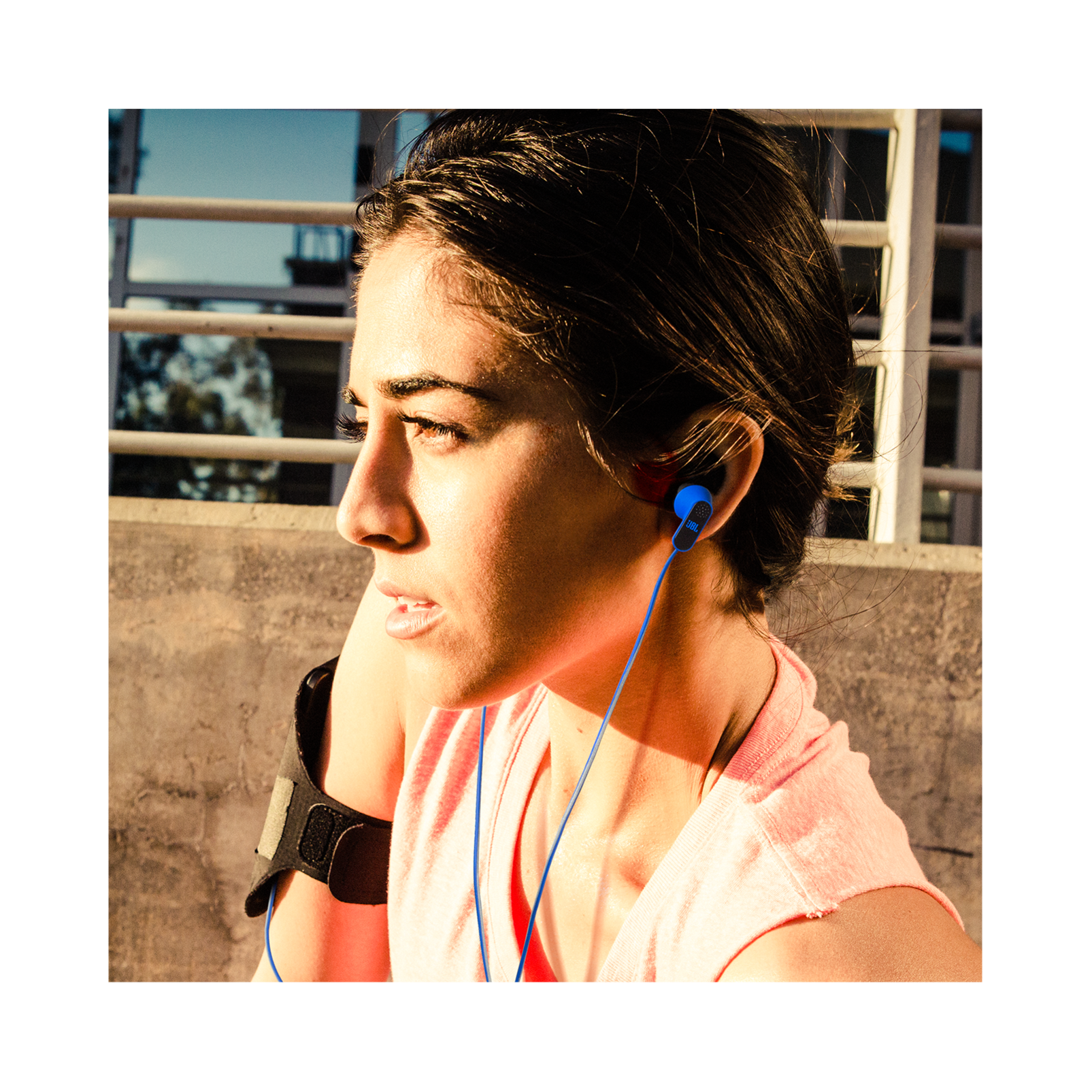 Reflect Aware - Black - Lightning connector sport earphone with Noise Cancellation and Adaptive Noise Control. - Detailshot 9